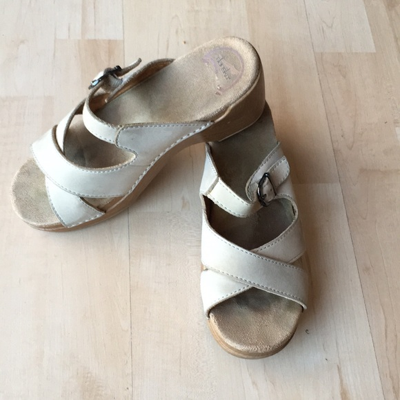 Dansko Shoes - Dansko wood & leather sandals